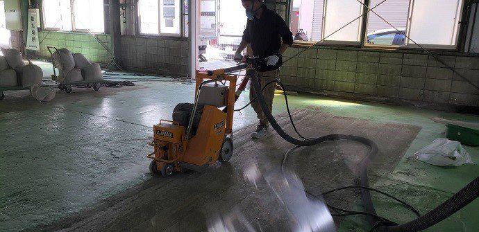 株式会社タナカペインティング-田中塗り床工業-塗床施工事例-既存塗膜撤去