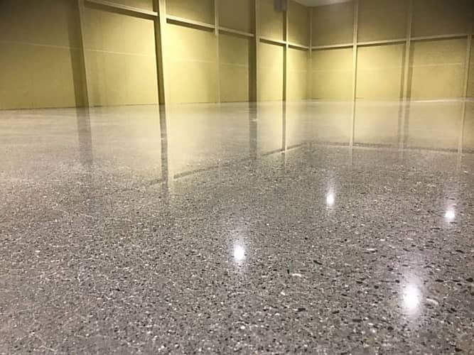 HTCスーパーフロア(鏡面研磨仕上げ)工事1 -田中塗り床工業-