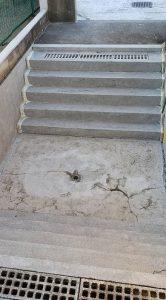 群馬県 小学校プール 床、壁塗膜撤去7 株式会社タナカペインティング-田中塗り床工業-